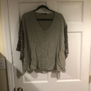 T Party V-neck 3/4 sleeved top